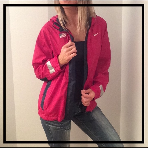 9c1d8f32cb36 NIKE USA Red + White + Blue Athletic Hoodie Jacket.  M 5ab8433846aa7c982ef01724